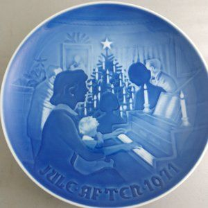 B&G Christmas At Home 1971 Plate